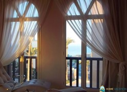 Two-bedroom apartment with a sea and mountain view at Azzurra