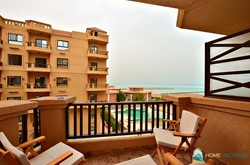 Stunning 2 bedroom apartment with pool and Sea view