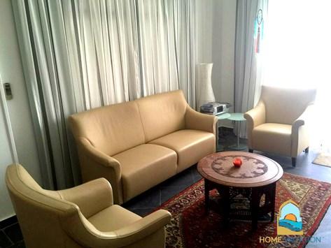 voll ausgestattete villa mubarak 7 m bel aus holland. Black Bedroom Furniture Sets. Home Design Ideas